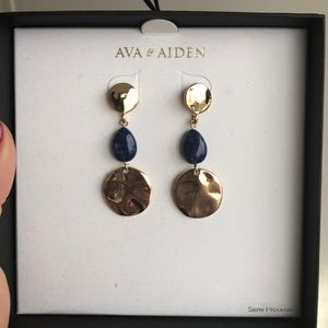 NEVER WORN Ava and Aiden dangle earrings